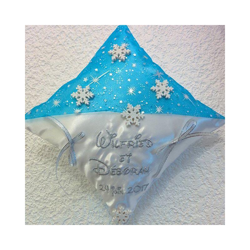 Coussin porte alliances la reine des neiges coussin for Decoration porte reine des neiges