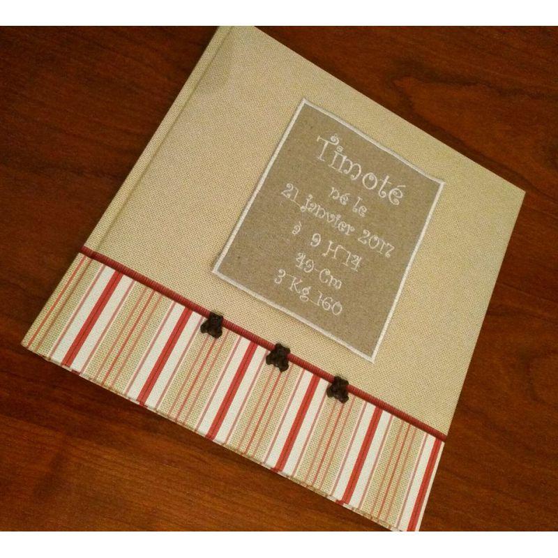 id e cadeau l 39 album photo de naissance personnalis. Black Bedroom Furniture Sets. Home Design Ideas
