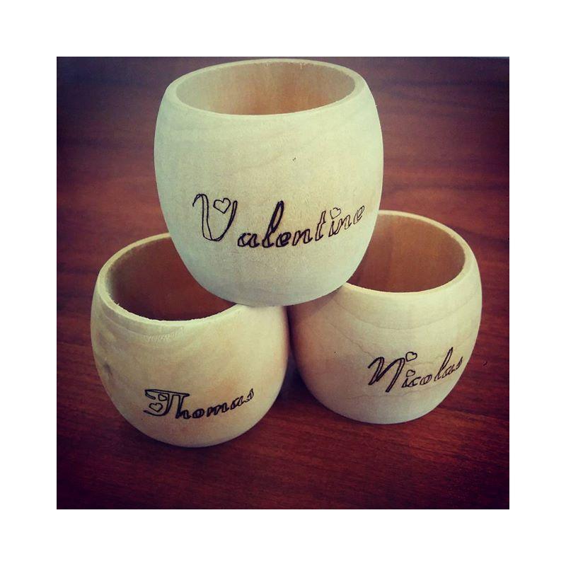 id 233 es cadeaux rond de serviettes en bois personnalis 233 avec votre pr 233 nom coussin mariage