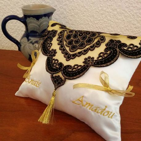 coussin porte alliances th me oriental coussin mariage. Black Bedroom Furniture Sets. Home Design Ideas